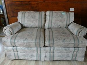 2 Sofa with throw pillows