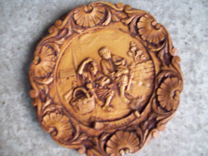 1-PLAQUE RONDE MURALE,DECORATIVE EN BOIS SCULPTE,MURILLO.
