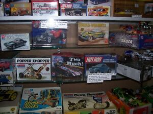 OLDER NHRA   AND  HOT WHEELS  COLLECTABLES AND MODEL KITS London Ontario image 1