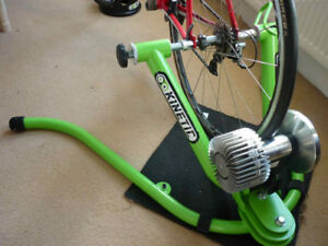Kurt Kinetic Rock and Roll Bike Trainer (Brand New Condition)
