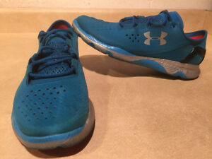 Women's Under Armour Speed Foam Light Running Shoes Size 8.5