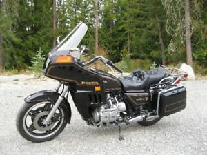 MINT CONDITION 1981 GOLD WING INTERSTATE MOTORCYCLE