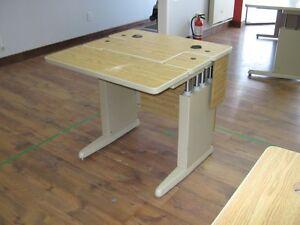 Table d'ordinateur à hauteur réglable pneumatique