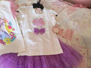 New with tags - Girls size 7  Frozen t-shirt and set Cambridge Kitchener Area image 3