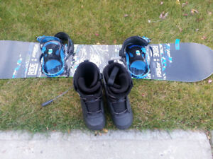 Snowboard with Bindings and Boots (Size 10)