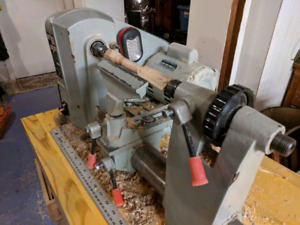 Beginner Wood Lathe with Tools!