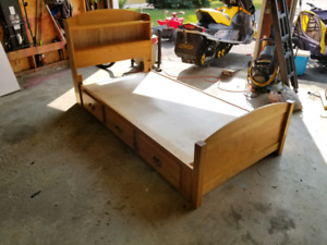 Single / Twin Bed with Drawers