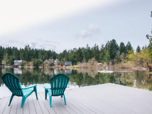 BEAUTIFUL SHAWNIGAN LAKE LAKEFRONT CABIN