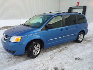 2008 Dodge Grand CaravanSXT stow&Go147000k dvd. Camera. De recul