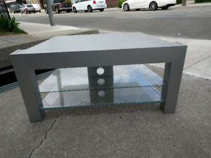 Contemporary TV entertainment counter for sale