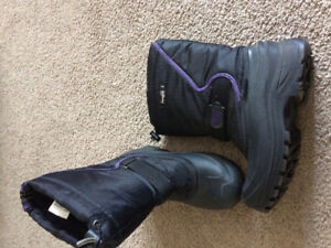 New excellent condition size 8