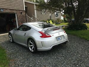 2011 Nissan 370Z NISMO Coupe (2 door)