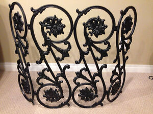 Cast Iron Fire Place Screen/Grate