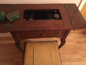 Antique Singer Sewing Table Cornwall Ontario image 5