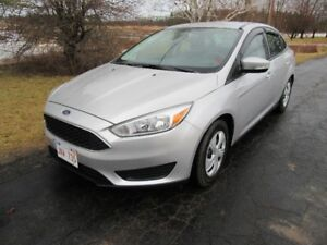 2016 Ford Focus SE Sedan  ONLY  13500 KM NEW  MVI