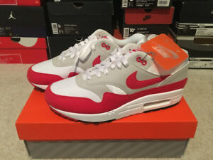 Nike Air Max 1 Anniversary shoes in size 9 US
