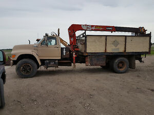 1995 Ford Picker Truck