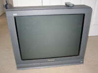 """""""Panasonic 32"""" Color flat screen TV with remote"""""""
