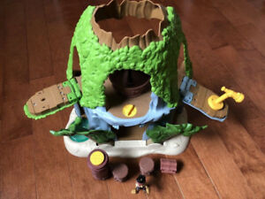 ONE MAGICAL TIKI HIDEOUT PLAYSET, JAKE AND THE NEVERLAND