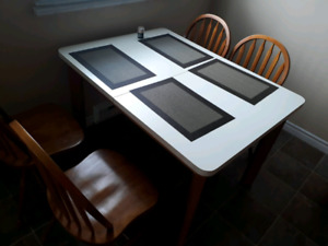 Dinning table set Great condition