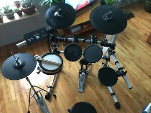 Electronic Drum Set (mint / unused)