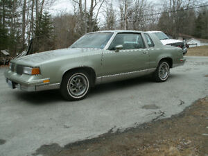 1987 Oldsmobile Cutlass Supreme.305 Engine