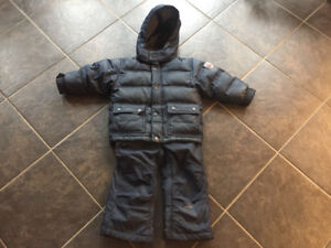 Boys size 2 Gap snowsuit