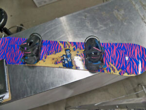 PLANCHE A NEIGE SNOWBOARD 129$$ TAXES INCLUSES AVEC FIXATIONS !!