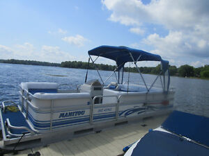 1998 20' MANITOU PONTOON, 30HP. JOHNSON