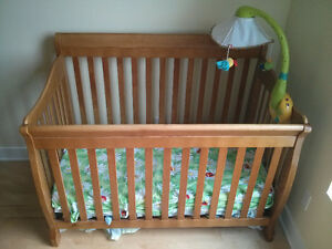 Baby bed with waterproof mattress