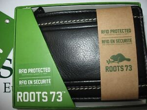 Mens ROOTS 73 black leather wallet RFID protected