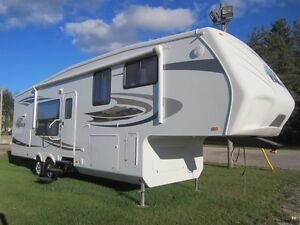 2010 Jayco Eagle 313 RKS 5TH Wheel Travel Trailer **CLEAN UNIT** London Ontario image 1