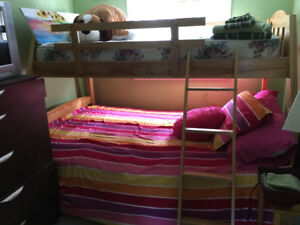 Solid wood bunk beds