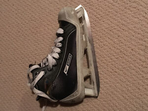 Hockey skates and equipments Edmonton Edmonton Area image 3