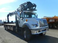 International 7600 with Hiab 288E E-8 crane