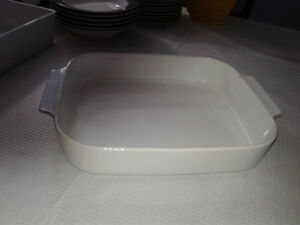 2  Roasting Cookware Dishes / Bowls- Corning Ware