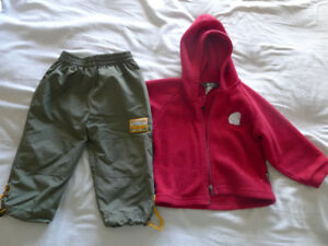 Polar MEC et pantalon de printemps Calin Caline 18 mois