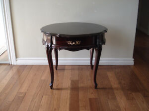 Small vintage round table with drawer