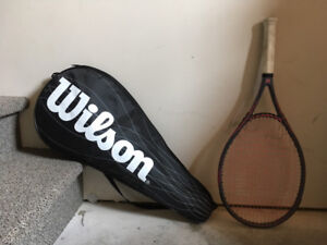 Raquette de tennis WILSON rose/gris - Bon état
