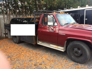 1989 Chevy 3500 Dually with flatbed box