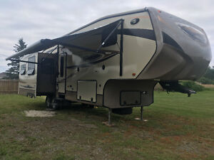 Cruiser Fifth Wheel