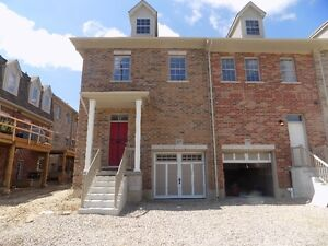 Amazing Executive  3 bed, 3bath Townhouse avail Immed!.