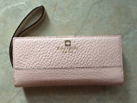 Never Used Kate Spade New York Wristlet Wallet