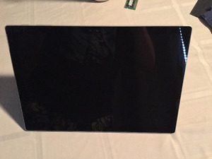 Surface Pro 4 i5, 8GB ram, 256gb SSD INCL Type cover