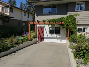 Relaxed 2 Bed, 1 Bath Basement Suite in Lower Mission!