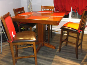 PUB STYLE TABLE AND 4 CHAIRS