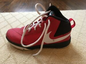 Nike Kids Team Hustle D 7