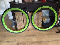 Green NO LOGO wheelset like NEW!