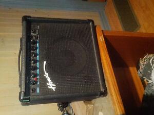 Hondo H300 15W Guitar Amp