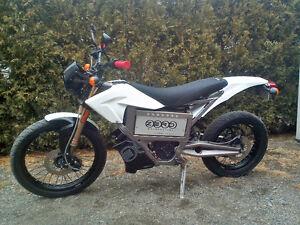 Moto Zero XU